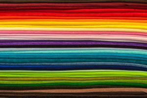 HOW TO CHOOSE YOUR CARPET COLOUR